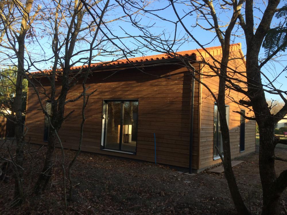 Maison en bois Rochefort Véranda Cognac Terrasse bois Charente Maritime 17 Philippe Boinard # Maison Bois Charente Maritime